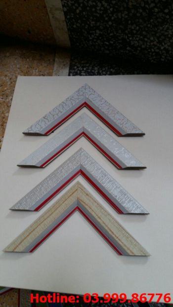 6 Bo khung tranh xốp hoặc nhựa