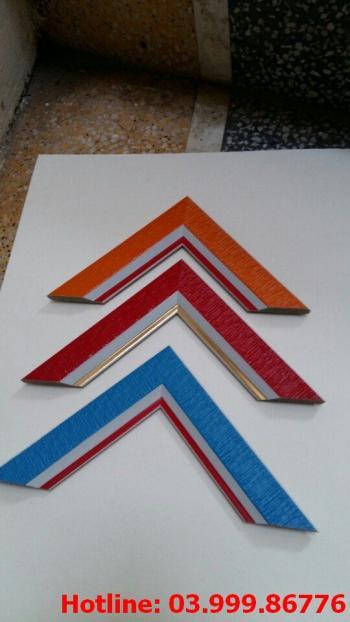 5 Bo khung tranh xốp hoặc nhựa