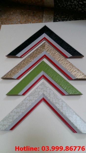 4 Bo khung tranh xốp hoặc nhựa
